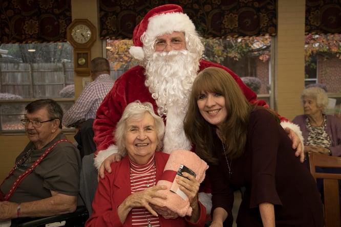 Santa Blanket Gift Nursing Center0339