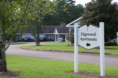 edgewood apartment 001